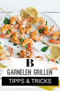 Garnelen grillen – Tipps und Rezepte. Steak und Bratwürste haben ausgedient – wir wollen Garnelen grillen! Damit das gelingt, verraten wir euch hier die besten Tipps und Tricks. Healthy Food To Lose Weight, Recipe Boards, Barbacoa, Pulled Pork, Healthy Recipes, Healthy Foods, Shrimp, Grilling, Bbq