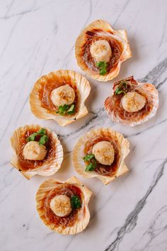Steamed Scallops with Noodles,