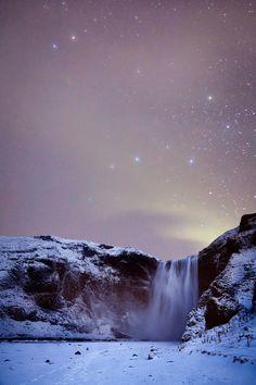 Skógafoss (Iceland) by Andrés Nieto Porras.