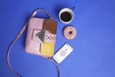 It's lunch and shopping time🍩🛍 shop sara_battaglia's cult-favorite bag✌ Shop online: http://n-duo-concept.com/bags/lucy-tri-colour-leather-cross-body-bag.html#.V-5Gbfl96Hs