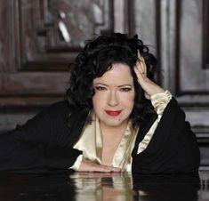 """9 aprile 2019 - Antonella Ruggiero si racconta in occasione di """"Trino Sacra"""". Un'intervista di Cristian Pedrazzini per Spettacoli News"""