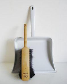 White Enamel Dustpan & Brush