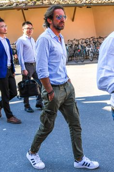 39 Ideas Style Fashion Men Casual Khakis For 2019 New Mens Fashion Trends, Old Man Fashion, Military Fashion, Style Fashion, Fashion Styles, Classy Fashion, Petite Fashion, Ladies Fashion, Fashion Tips