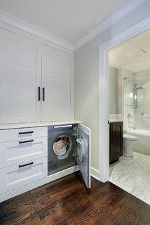 Innebygd vaskemaskin // Built-in washing machine - Hall/Laundry