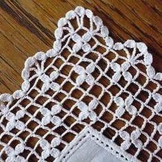 Ravelry: Filet crochet stueck's Handkerchief with large delicate edge Crochet Boarders, Crochet Motifs, Crochet Stitches Patterns, Crochet Art, Crochet Diagram, Thread Crochet, Love Crochet, Filet Crochet, Crochet Shawl