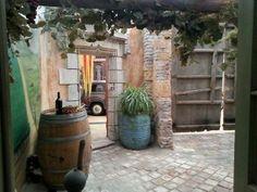 Ben jij al eens in het Italiaanse Il Cavallino geweest? Good Things, Patio, Outdoor Decor, Home Decor, Decoration Home, Room Decor, Home Interior Design, Home Decoration, Terrace