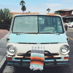 THE CASSIDY: Turquoise, Orange, Black & White Mexican Blanket - My old classic car collection Fancy Cars, Cute Cars, Cool Old Cars, Beach Cars, Ford Classic Cars, Porsche Classic, Orange And Turquoise, Car Images, Car Wrap
