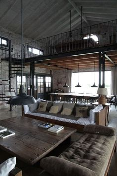 72 Farmhouse Interior Design Ideas How To Decorate a Room in the Farmhouse Style Rustic Home Interiors, Industrial Interiors, Farmhouse Interior, Modern Farmhouse, Farmhouse Style, Loft Estilo Industrial, Industrial House, Industrial Loft Apartment, Industrial Chic Decor