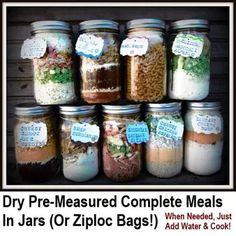Mason Jar Mixes, Mason Jar Diy, Mason Jar Crafts, Mason Jar Cookie Mix Recipe, Jar Gifts, Food Gifts, Homemade Dry Mixes, Homemade Food, Homemade Gifts