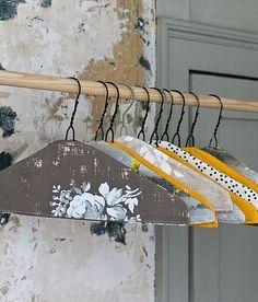 Casa Sugar: DIY Hangers