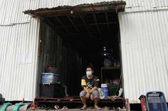 Volunteers help poorest survive Thailand's worst COVID surge