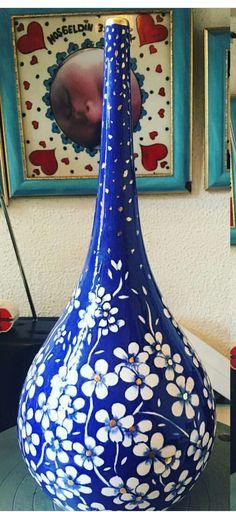 Vintage Vases, Vintage Flowers, Ceramic Pottery, Ceramic Art, Pots, Pot Jardin, Jar Art, Home Decor Vases, Blue And White Vase