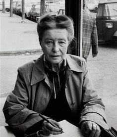Simone de Beauvoir par Janice Niepce Liberation Of Paris, Marguerite Duras, Writers And Poets, French Photographers, Photos, Simone De Beauvoir, Women, Photography, Pictures
