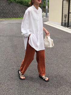 Work Fashion, Spring Fashion, Minimalist Dresses, Shirt Blouses, Shirts, Fasion, Dress Up, Trousers, Normcore