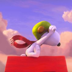 Keep an eye out, Snoopy! Big things are coming your way. Peanuts Movie, Peanuts Cartoon, Peanuts Characters, Peanuts Snoopy, Cartoon Characters, Charlie Brown Y Snoopy, Snoopy Love, Snoopy And Woodstock, Gifs Snoopy