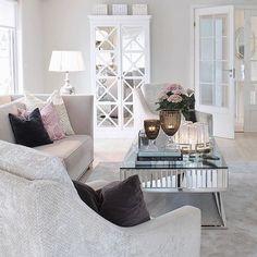 Vakre hjemmet til @elinmekraft   #Repost @elinmekraft  Anbefaler dere å sjekke hennes profil