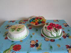 butterfly & poppy flowers cake
