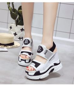 Korean Sandals, Korean Shoes, Sneakers Fashion, Fashion Shoes, Fashion Accessories, Shoes Wallpaper, Kawaii Shoes, Best Slippers, Womens Summer Shoes