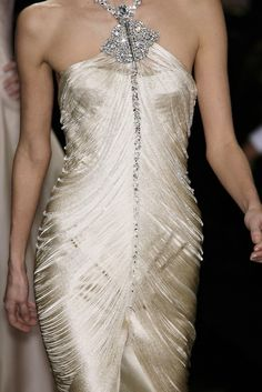 Armani Prive glambam (Source: phe-nomenal, via misszeit) Luv this ! Very beautiful! Fashion Details, Love Fashion, High Fashion, Fashion Beauty, Fashion Show, Fashion Design, Style Haute Couture, Couture Fashion, Runway Fashion