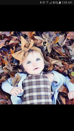 Cutest girl picture ever! Children Photography Poses, Toddler Photography, Autumn Photography, Family Photography, Photography Ideas, Fall Family Pictures, Family Picture Poses, Fall Photos, Picture Ideas