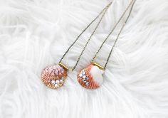 Learn how to make a seashell necklace without a drill when you follow the Shimmer Seashell Necklace DIY. Seashell jewelry ideas like this are great.