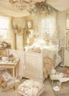 33 Cute And Simple Shabby Chic Bedroom Decorating Ideas   EcstasyCoffee #shabbychichomesdecorating #DIYHomeDecorShabbyChic