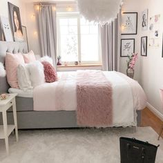 Bohemian Minimalist with Urban Outfiters Bedroom Ideas Bedroom. - Frida Rath - Bohemian Minimalist with Urban Outfiters Bedroom Ideas Bedroom. Bohemian Minimalist with Urban Outfiters Bedroom Ideas Bedroom Goals! Room Ideas Bedroom, Small Room Bedroom, Home Decor Bedroom, Bedroom Furniture, Bed Room, Decor Room, Bedroom Inspo, Teen Bedroom Inspiration, Kids Bedroom