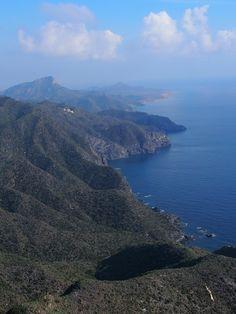 Calblanque (Murcia) es una de las playas más vírgenes del Mediterráneo. Al fondo Cabo Palos. Desde Monte Cenizas.