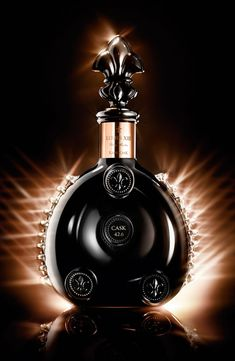 The new #LouisXIII Rare Cask 42,6 by #RemyMartin with a black #Baccarat crystal cask