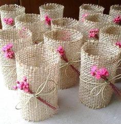 Rustic Napkin Holder - New Deko Sites Burlap Crafts, Diy And Crafts, Crafts For Kids, Paper Crafts, Rustic Napkin Holders, Rustic Napkins, Diy Wedding, Wedding Gifts, Wedding Napkins