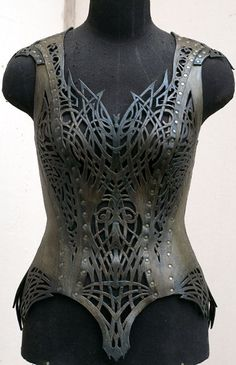 Beautiful Armor Corsets http://geekxgirls.com/article.php?ID=1848