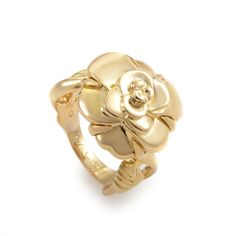 Chanel Camellia 18K Yellow Gold Ring #Chanel High Jewelry, Jewelry Accessories, Chanel Camellia, Name Jewelry, Chanel Jewelry, Bvlgari, Coco Chanel, Luxury Watches, Diamond Jewelry