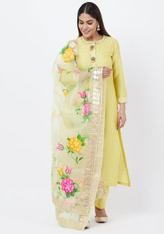 hint of gotta and beads . look your stunning best in this Lime Green Gotta Straght Kurti with Straight Pants matched with Floral Hand Painted Organza Dupatta with Gotta Work Fabric Painting On Clothes, Painted Clothes, Pink Kurti, A Line Kurti, Green Fashion, Women's Fashion, Ethnic Fashion, Indian Fashion, Indian Designer Suits