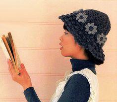 шляпка с цветочными квадратами