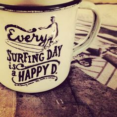 #RETROPOT Every SURFING DAY is a HAPPY DAY www.retropot.es #vintage #taza #mug #enamelmug #camping #camplife #retro #retropot #pot #peltre #coffee #tea #vintagemug #cup #deco #surf #surfing #surfingday #happyday #france #surfshop