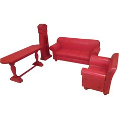 """Strombecker Dollhouse Furniture - 5 Piece Red Living Room Set - 1"""" Scale.."""
