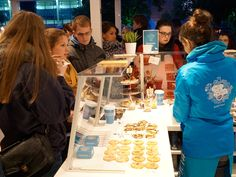 Was für ein Andrang! // Such a press of cookies lovers! #Cookies #LifeIsSweet #Bahlsen #SweetOnStreets