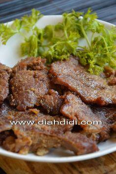 Diah Didi's Kitchen: Empal Gepuk Asian Recipes, Beef Recipes, Chicken Recipes, Cooking Recipes, Diah Didi Kitchen, Mie Goreng, Malay Food, Indonesian Food, Indonesian Recipes