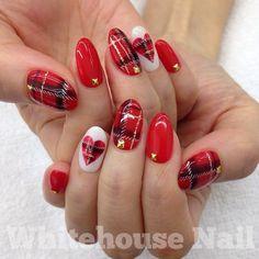 2016年バレンタインネイルは「赤」でキメる!本命の彼の心を狙い撃ちできる赤を使ったネイルデザイン -page2 | Jocee Valentine's Day Nail Designs, Cute Acrylic Nail Designs, Christmas Gel Nails, Christmas Nail Designs, Cute Gel Nails, Cute Acrylic Nails, Plaid Nails, Red Nails, Bridal Nail Art