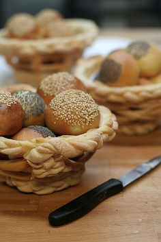 questo blog è bellissimo! Finger Food Appetizers, Appetizer Recipes, Dessert Recipes, Just Cakes, Cakes And More, Bread Shaping, Bread Art, Braided Bread, No Salt Recipes
