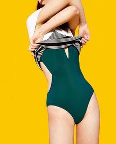 Imagem 1 de FATO DE BANHO DECOTE EM V da Zara