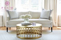 Mirror And Brass Coffee Table - Design photos, ideas and inspiration. Amazing gallery of interior design and decorating ideas of Mirror And Brass Coffee Table in bedrooms, living rooms by elite interior designers - Page 3 Living Room Furniture Layout, Chic Living Room, Living Room Designs, Living Room Decor, Living Rooms, Brass Coffee Table, Coffee Table Design, Coffee Tables, Gold Round Coffee Table