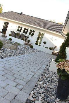 E-post - susanne borgh - Outlook Garden Paths, Garden Tools, Landscape Design, Garden Design, Patio Edging, Small Yard Landscaping, Landscaping Ideas, Scandinavian Garden, Garden Tool Storage