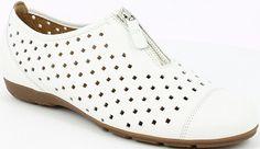 Gabor női bőr félcipő | Gabor Webáruház | Pumps és Félcipő Webáruház | Lifestyleshop.hu Pumps, Choux Pastry, Pump Shoes, Shoes Heels, Pump