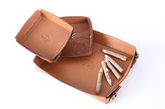 Vélez for Leather Lovers Lovers, Sweet, Leather, Design, Totes, Colombia, Suitcases, Candy
