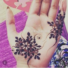 Mehendi is enhanced the beauty of your hands. Here in this article, we are going to show different Arabic bridal mehndi designs for girls. Finger Henna Designs, Mehndi Designs 2018, Modern Mehndi Designs, Mehndi Designs For Girls, Bridal Henna Designs, Mehndi Designs For Fingers, Beautiful Henna Designs, Henna Tattoo Designs, Mehandi Designs