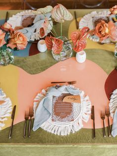 Wedding Paper, Floral Wedding, Our Wedding, Wedding Stuff, Table Setting Inspiration, Beach Wedding Inspiration, Floral Backdrop, Floral Arch, Reception Decorations