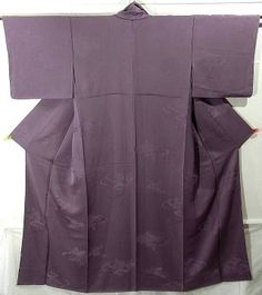 """❤ Iro-muji ❤ is a semi-formal kimono with no-design. It has no design or pattern, except base pattern of damask.  """"Muji"""" means """"plain"""" or """"solid"""", and """"Iro"""" means """"color"""". Black and plain kimono is distinguished from """"Iro-muji"""". (Black and plain kimono is a mourning dress.)  It's worn by women on parties or visits, like tea ceremonies, meetings, eating outs, and so on."""