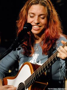 REVIEW: Ani DiFranco @ McDonald Theatre (Eugene, OR - 4/12/11)
