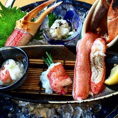 This is what my Christmas lunch looked like last year #notcomplaining   @miss_ttravels @instagramjapan   #crab #crablegs #christmas #lunch #firstcourse #delicious #deliciousfood #yummy #yummyfood #foodpic #foodstagram #instafood #foodie #かに道楽 #plating #travels #travelingram #travelgram #authorsofinstagram #writersofinstagram #art #artistsoninstagram #artiseverywhere #osaka #osakajapan #japan #christmaslunch #tbt #fbf
